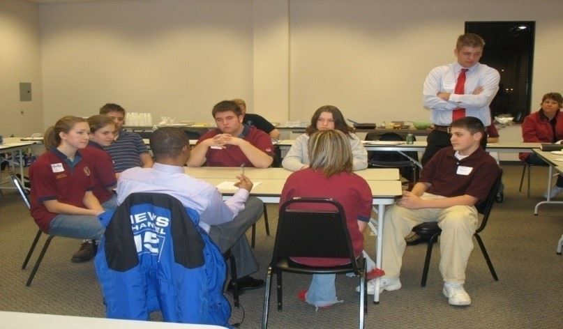 MYAC Members learn from a News professional